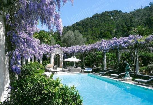 Hotel Cannes California salle à piscine