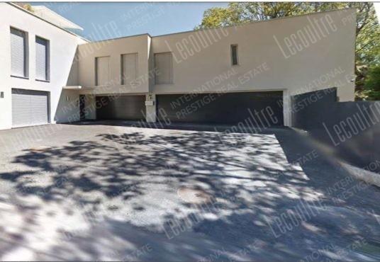 Maison contemporaine Valais garage