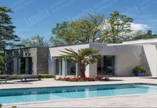 Maison contemporaine Valais piscine