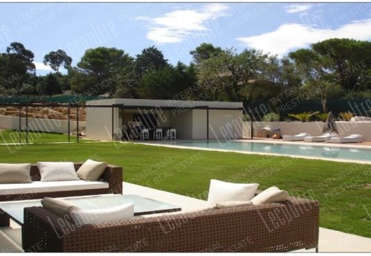 Villa contemporaine Mougins parc