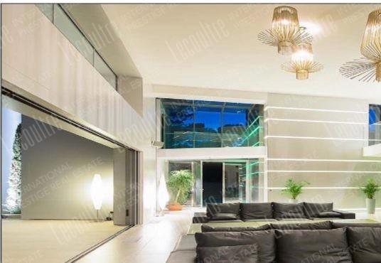Villa contemporaine Mougins pièce de vie